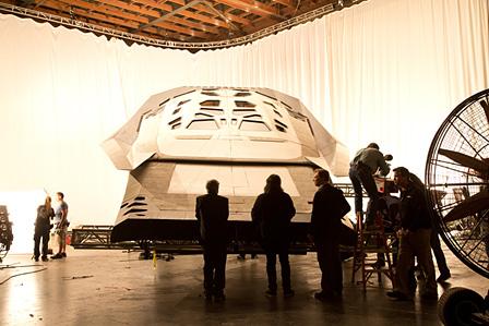 『インターステラー』宇宙船のセット ©2014 Warner Bros. Entertainment, Inc. and Paramount Pictures. All Rights Reserved.
