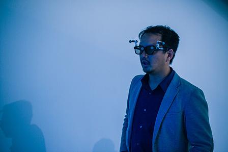 ザハ・ハディドの建築を仮想体験できるシステムも展示