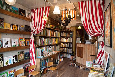 CHITOが吉祥寺にオープンした絵本専門の古本屋「Mein Tent」