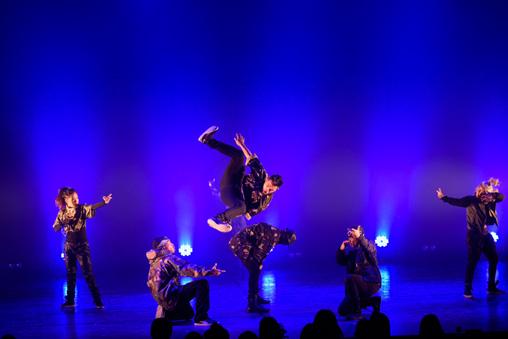 『DANCE DANCE ASIA -Crossing the Movements 東京公演』PHILIPPINE ALLSTARS ©Tadamasa Iguchi / DANCE DANCE ASIA