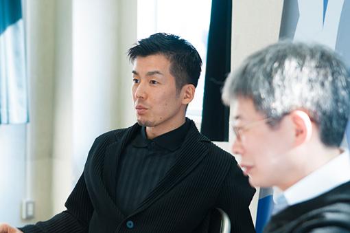左から:金森穣、平田オリザ