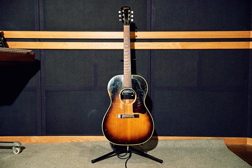 Gibson「LG-2」