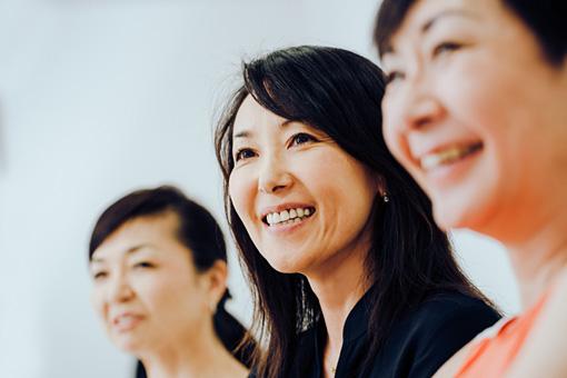 左から:KUMI、YUKO、TOKO