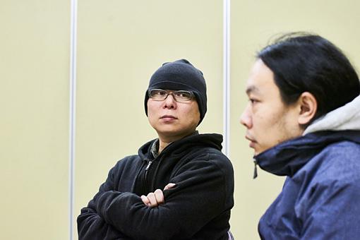 左から:須藤俊明、山本達久