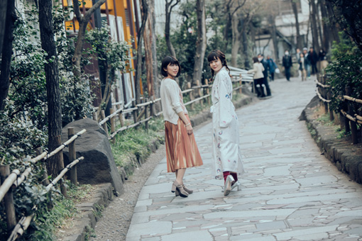 左から:吉澤嘉代子、文月悠光
