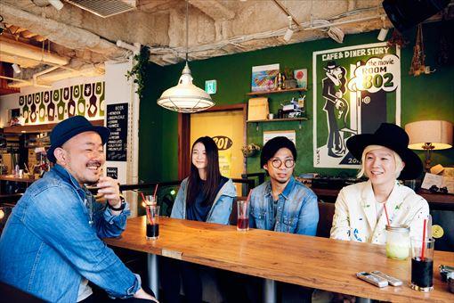 左から:高橋マシ、片平里菜、吉田結威(吉田山田)、山田義孝(吉田山田)