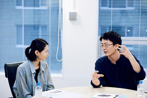 左から:佐藤麻優子、関川航平