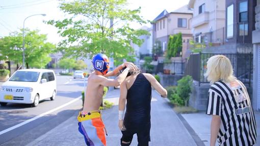 中島晴矢『バーリ・トゥード in ニュータウン』(2014年)