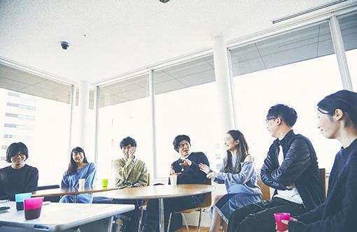 左から:三浦直之、望月綾乃、篠崎大悟、板橋駿谷、島田桃子、亀島一徳、森本華