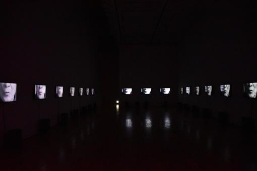 二人が制作した音楽と映像による詩の空間