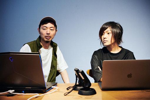 左から、八幡純和(Psychic VR Lab)、こやまたくや。