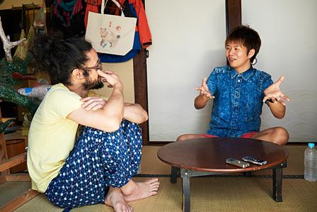 左から:本濃研太、杉原邦生