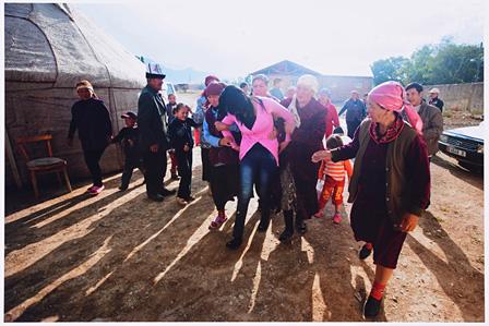 林典子 HAYASHI Noriko『キルギス さらわれる花嫁』2012 ©HAYASHI Noriko