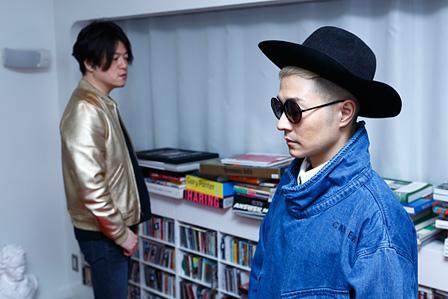 左から:渋谷慶一郎、VERBAL
