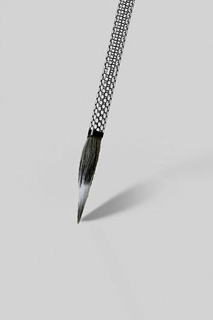 CFRPを用いた毛筆のデザイン