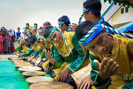 インドネシアから招へいした「Komunitas Al-Hayah」