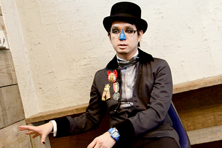一体彼は誰なのか? 鍵盤魔術師H ZETT M インタビュー