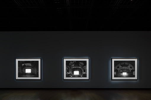 「廃墟劇場」2015年(展示風景) ©Sugimoto Studio