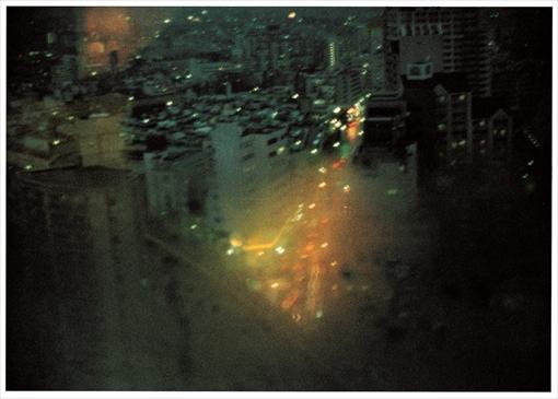 野村佐紀子「夜間飛行」より 2008年 東京都写真美術館蔵