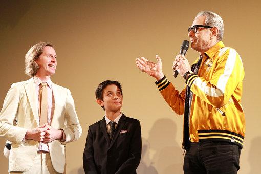 左から:ウェス・アンダーソン監督、コーユー・ランキン、ジェフ・ゴールドブラム
