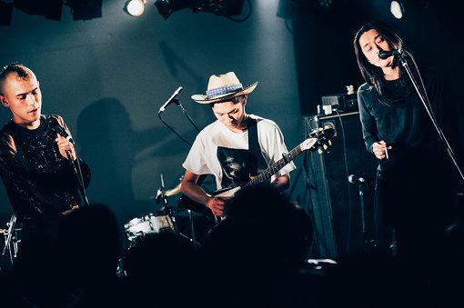 左から:Jan(jan and naomi)、濱野夏椰(Gateballers)、Naomi(jan and naomi)