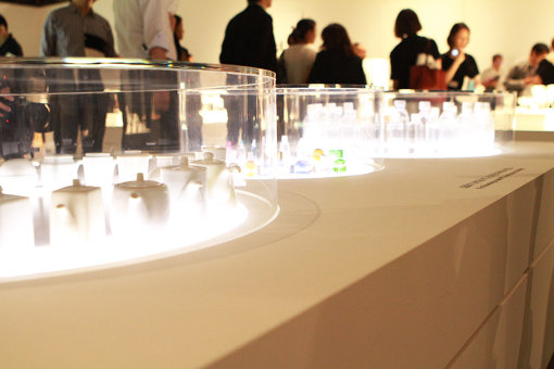 アニメーションの手法を用いて容器のかたちの違いを表現する『いれもの二十面相』
