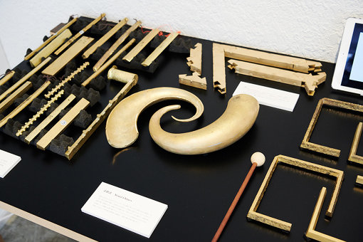 「素材調」による、高岡の銅合金を素材にさまざまな楽器にした作品