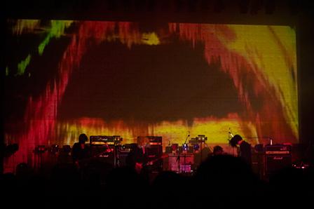 『THE NOVEMBERS TOUR - Romancé -』ライブ風景 撮影:タイコウクニヨシ