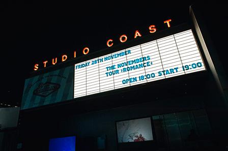 開演前のSTUDIO COAST看板 :タイコウクニヨシ